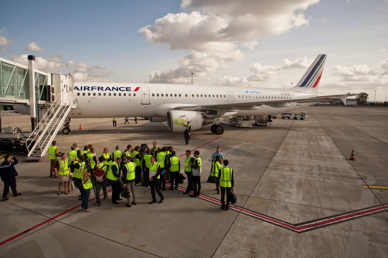Air France lance un vol alimenté en bio-carburant