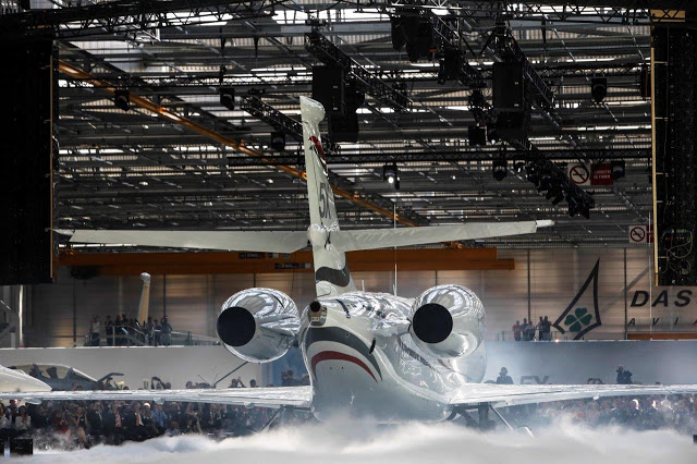 Reportage: Roll-out du Falcon 5X