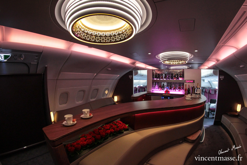 Visite de l 39 a380 de qatar airways le portail des for Interieur airbus a380