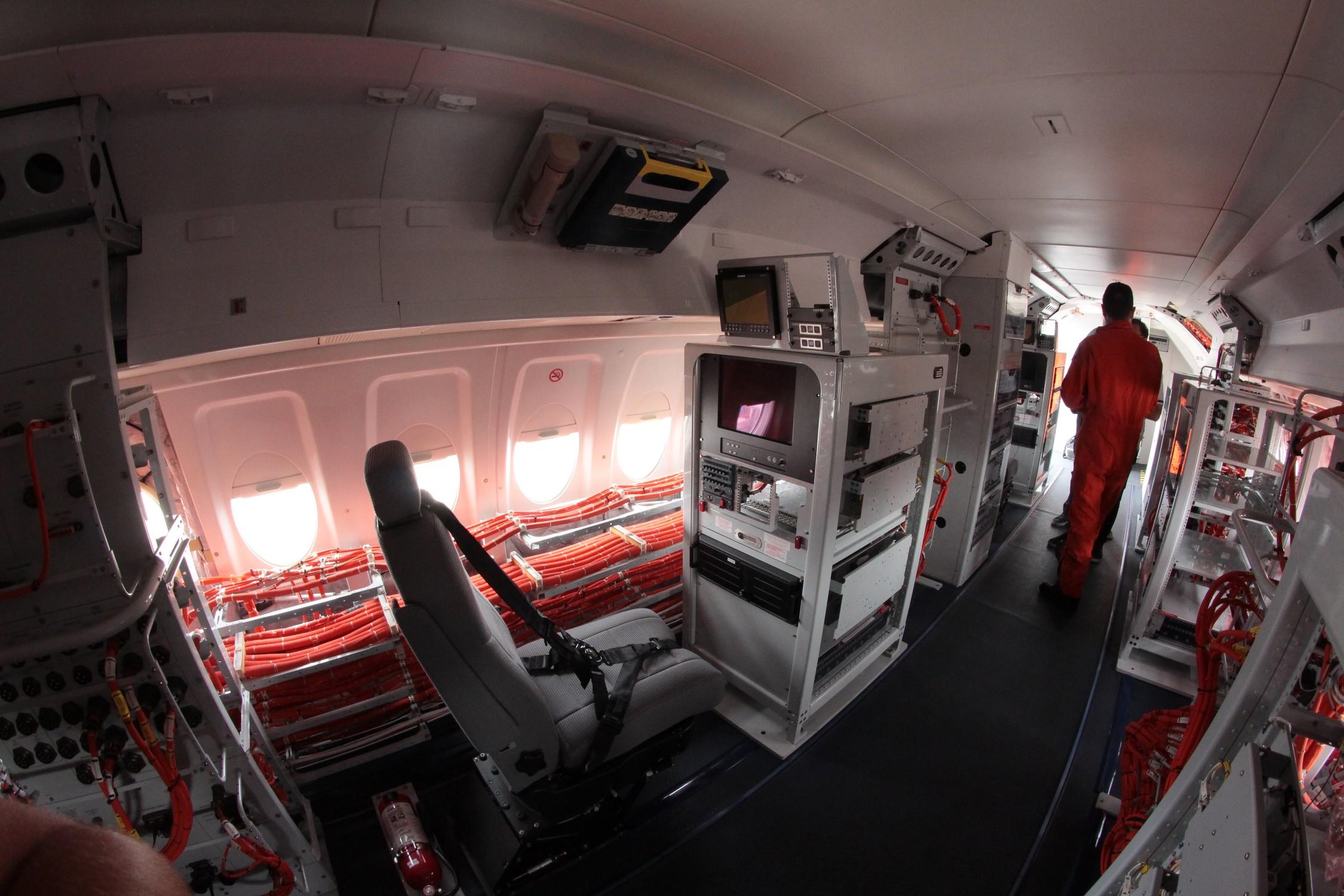 Visite Du Fokker 100 De La Dga Futur Banc Dessais Rafale Le