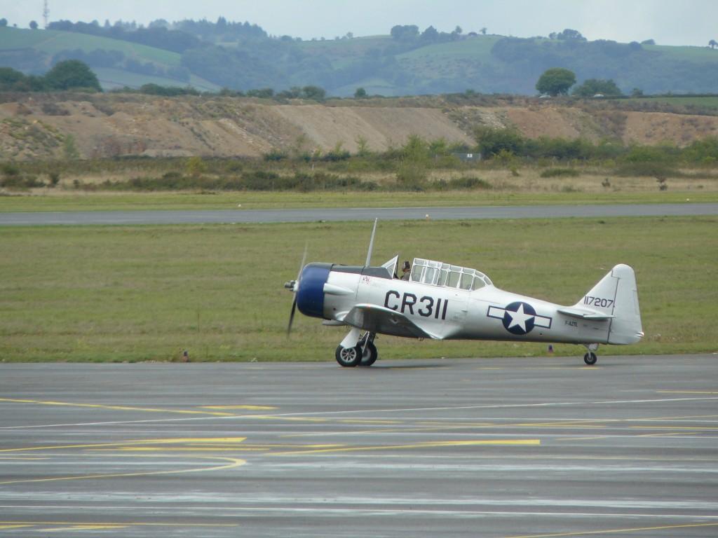 Les amateurs de Warbirds n'ont pas été déçus, puisque deux T-6, un Stampe et un T-28 ont été présentés en vol.