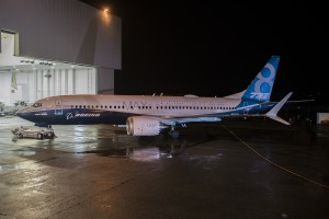 Sortie de l'usine pour le 737-8