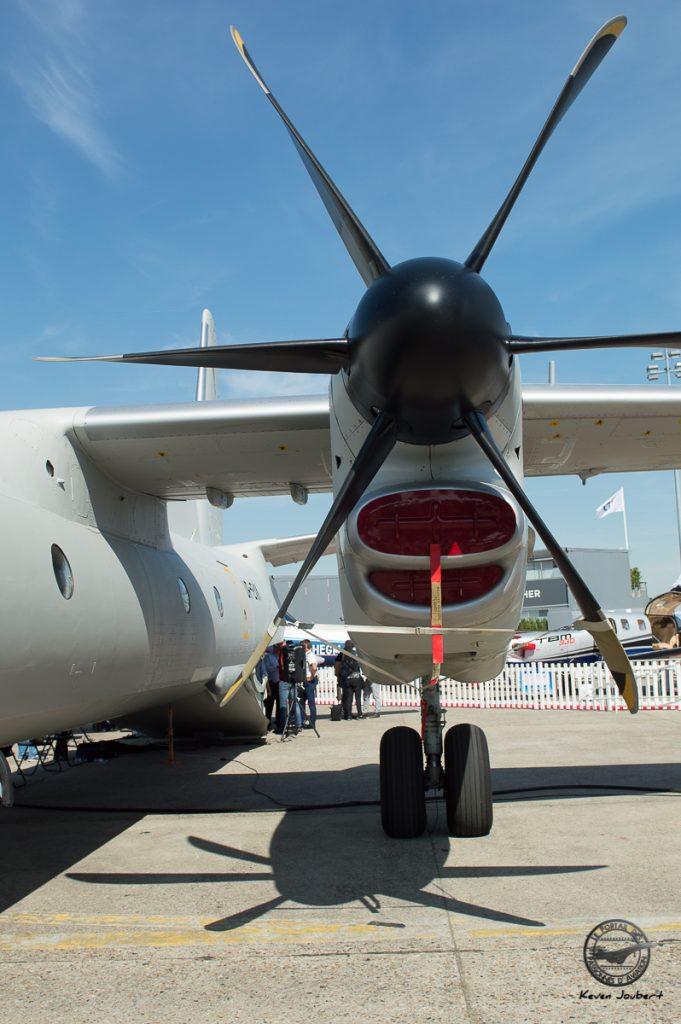 Un des deux moteurs Pratt & Whitney qui motorisent l'avion