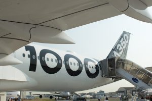 A350-1000 - Sous les ailes de l'avion, le marquage qui rappelle le modèle A350-1000