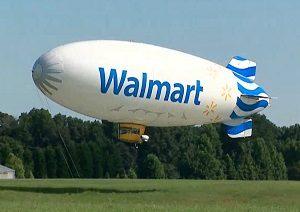 Dirigeable à air chaud publicitaire aux couleurs de Walmart