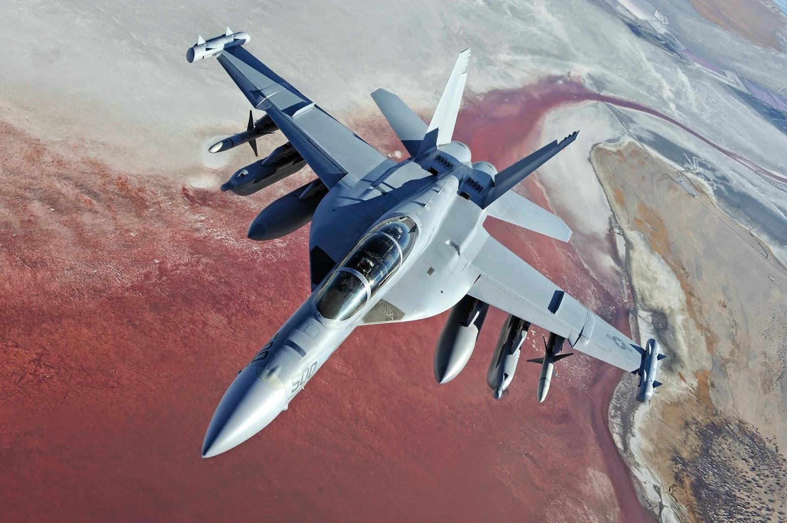 US Navy : en 2016, les Prowler laisseront la place aux Growler
