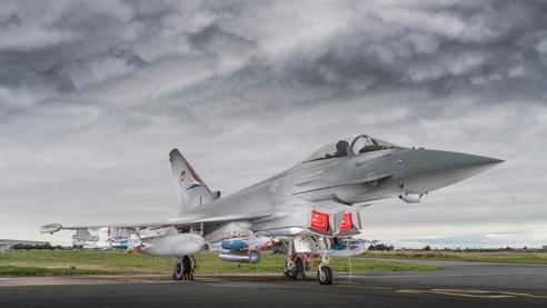 BAE systems livre les premiers Eurofighter Typhoon réellement multirôles.